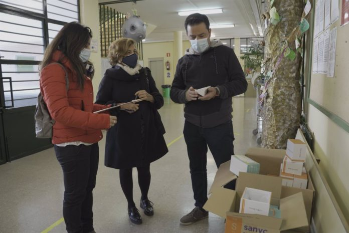 Mairena reparte 160 medidores de CO2 entre los colegios para controlar la ventilación