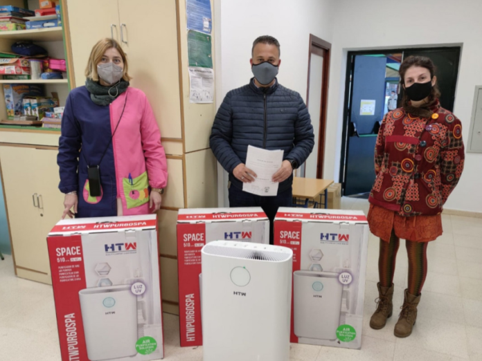 Mairena del Alcor reparte purificadores de aire entre sus centros educativos.