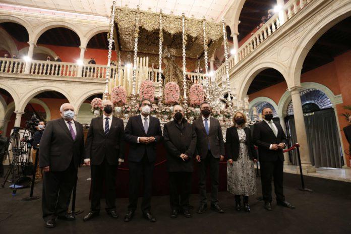 El Consejo de Hermandades inaugura la mayor muestra del patrimonio de las cofradías sevillanas