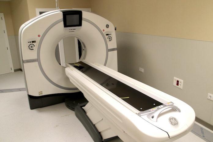 El Hospital Virgen Macarena instala cuatro equipos de diagnóstico por imagen de alta gama que realizará 48.000 estudios al año
