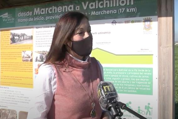Marchena coloca nueva señalización a lo largo del tramo de Vía Verde
