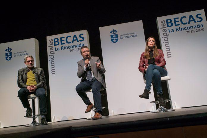 La Rinconada adjudica 200 becas universitarias para el curso 2020-2021