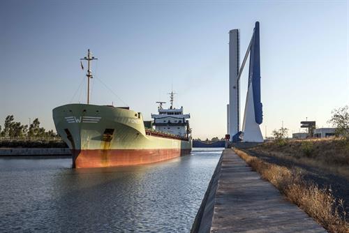 El Puerto de Sevilla refuerza su seguridad con un sistema para detectar intrusos en la esclusa