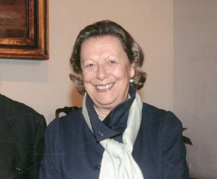 La historiadora Enriqueta Vila recibe el Premio UNIA Concha Caballero