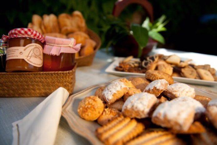 Carrefour incorpora a su surtido de Semana Santa dulces del convento de las Clarisas de Morón