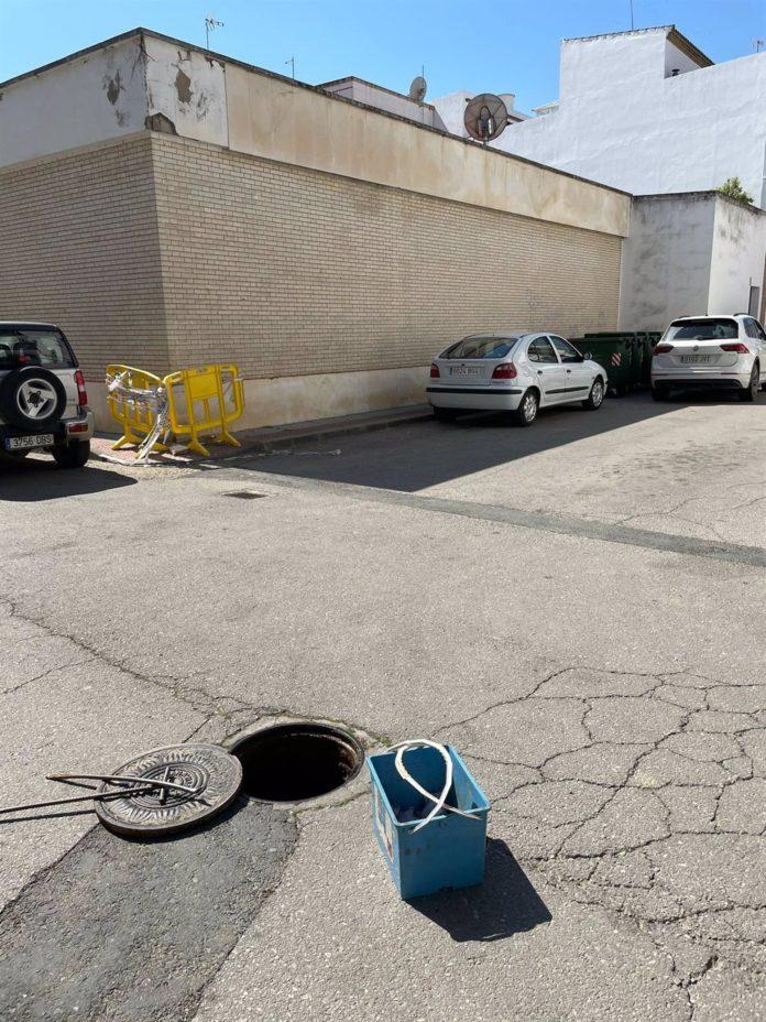 Detenidos dos hombres en Lora sorprendidos 'in fraganti' tras un robo en un vehículo