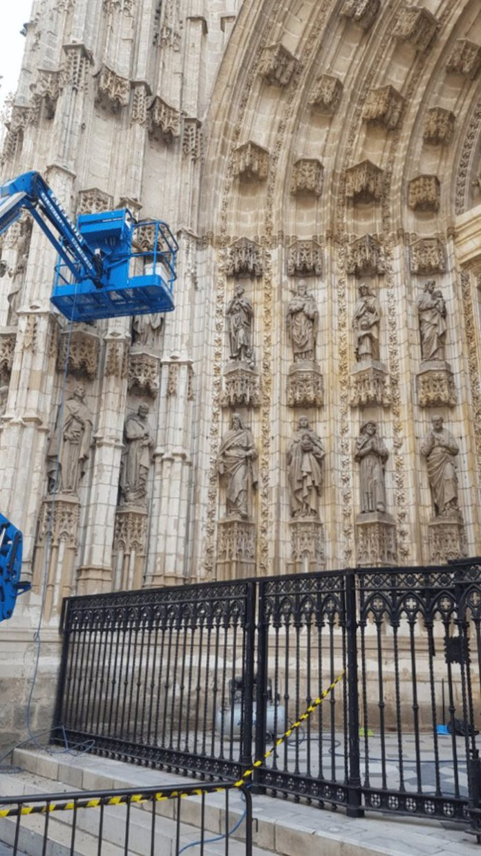 Las labores de seguimiento y control anual de las portadas de la Catedral concluyen a final de abril
