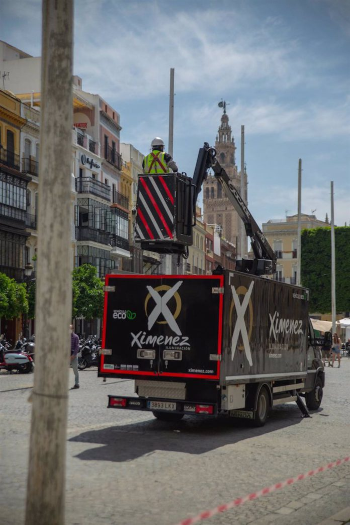 Sevilla lucirá alumbrado sostenible y decorado simbólico de Feria en un abril diferente