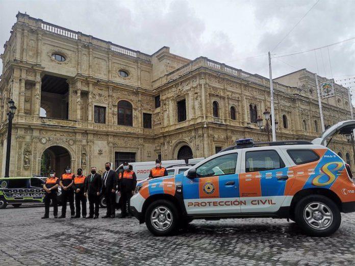 Protección Civil de Sevilla incorpora tres nuevos vehículos a su flota