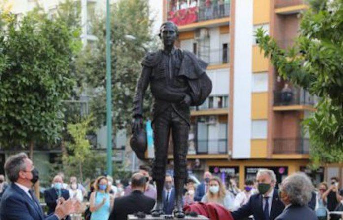 Joselito El Gallo ya tiene su monumento en Sevilla erigido por la Hermandad de la Macarena