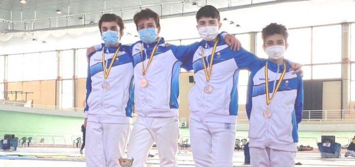 El equipo de florete masculino de Tomares hace historia en el Campeonato de España Infantil