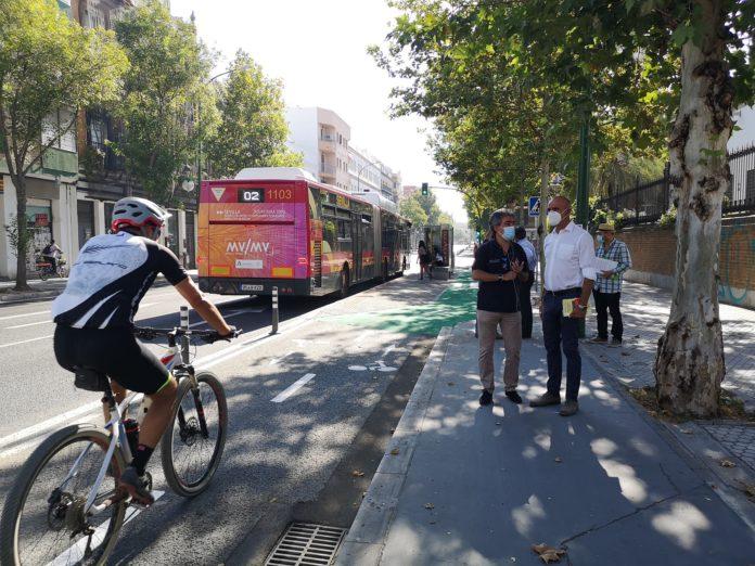 Sevilla inicia nuevas mejoras de la conservación de los carriles bici