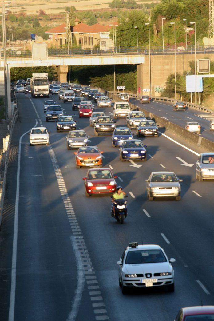 Guillena becará a 25 jóvenes con 200 euros para la obtención del permiso de conducir